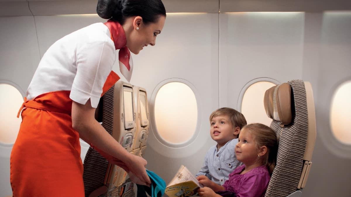 Детки в самолете