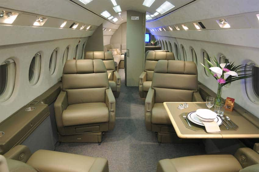 Салон Dassault Falcon 900